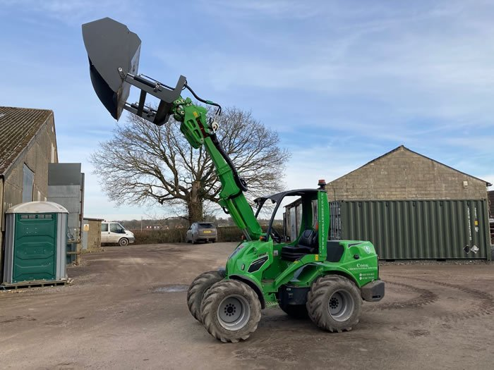 Arboricultural Machinery Hire Surrey | Avant 860i & Attachments